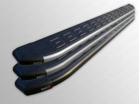 Geely Emgrand X7 2015- Пороги алюминиевые с пластиковой накладкой (карбон черные) 1720 мм